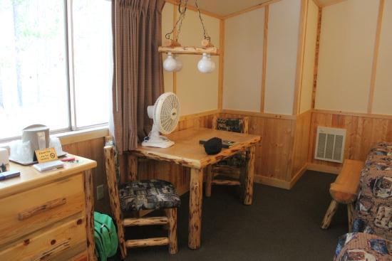 Canyon Lodge and Cabins: canyon cabin 607