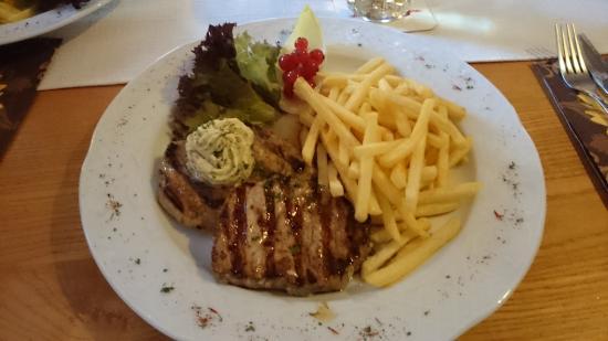 Gasthaus Adler : Schweinerücken Steak vom Grill mit Kräuterbutter