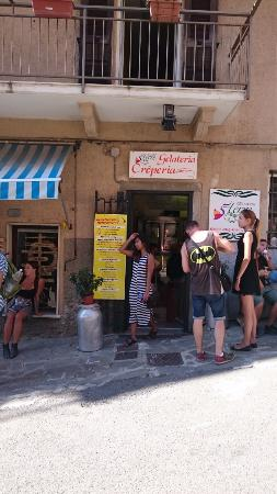 Gelateria Cinque Terre: Don't miss the entrance
