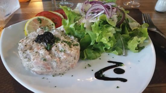 Le Sablas: tartare de saumon