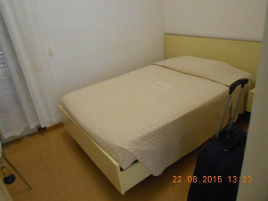 Hotel Europa : stanza