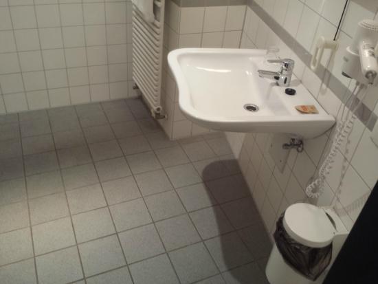 Badezimmer - Bild von Hotel NeuHaus, Dortmund - TripAdvisor