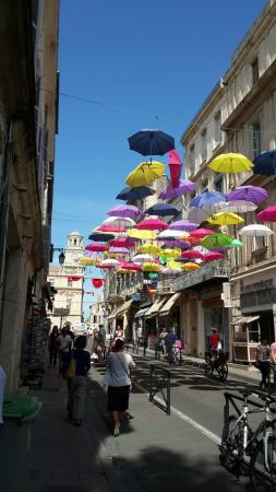 Ibis Arles: Temporary art installation