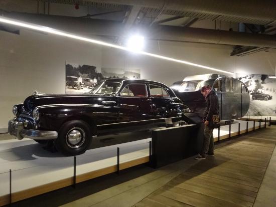 Toitū Otago Settlers Museum: Cars