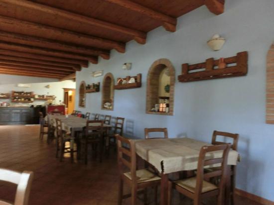 Residence Funtana Noa: saletta  rustica da pranzo