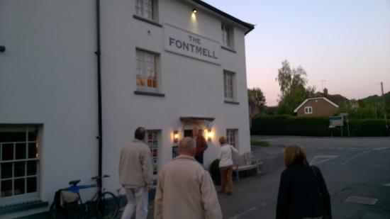 The Fontmell: Great Gastro Pub