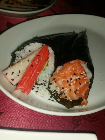 Ichiban: Coni con polpa di granchio e salmone