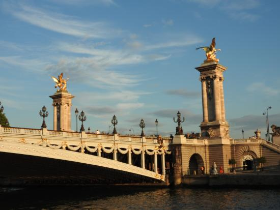 Paris, Frankrike: Puente Alejandro III
