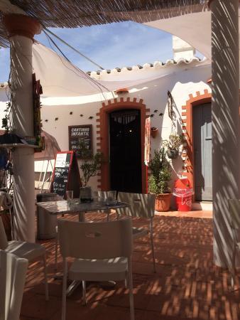 Barril Beach Cafe