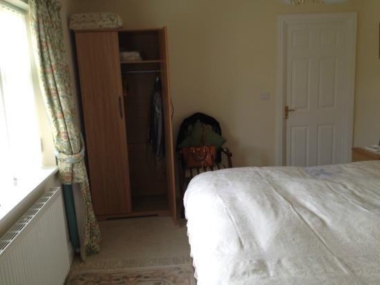 Rowland House : En-suite room 1