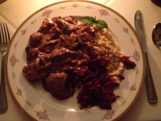 Vienna Restaurant & Historic Inn: Spectacular food and dining experience!
