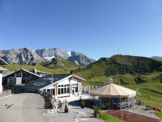 Berghotel Hahnenmoospass