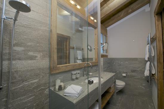 b der naturstein bild von hotelino petit chalet. Black Bedroom Furniture Sets. Home Design Ideas