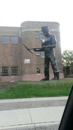 Helper, UT: Big John Statue