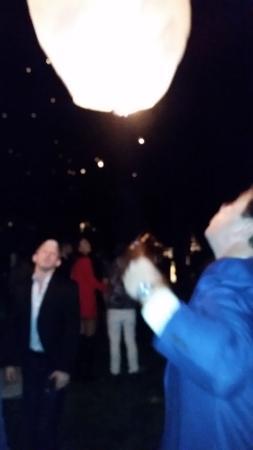 The Alpina Lounge & Bar: laterns fly away