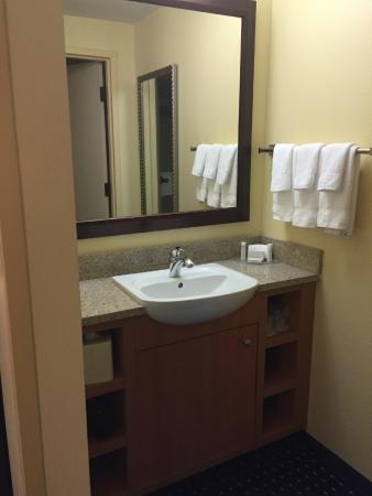 SpringHill Suites Orlando Airport: bathroom vanity