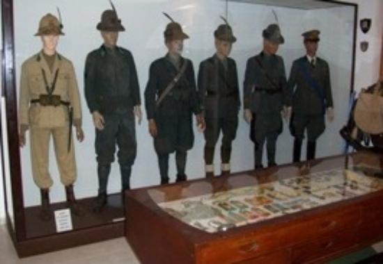 Costigliole d'Asti, Ιταλία: museo dell'alpino - uniformi ufficiali alpini
