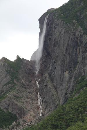 Western Brook Pond: Wasserfall