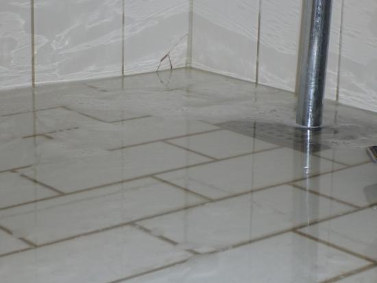 Schön ProfilHotels Richmond Hotel: Überschwemmung Im Bad : (