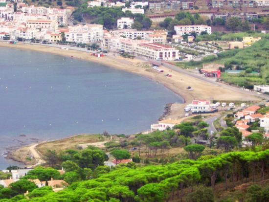 CIPS Dive Center Port de la Selva: La plage de sable