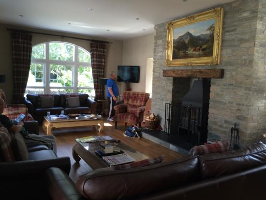Home Farm Cottages: The reception room