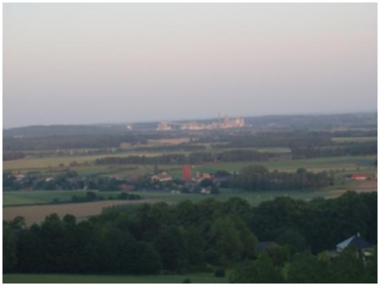 Mont Saint-Aubert, Belgia: The view (including the factory)