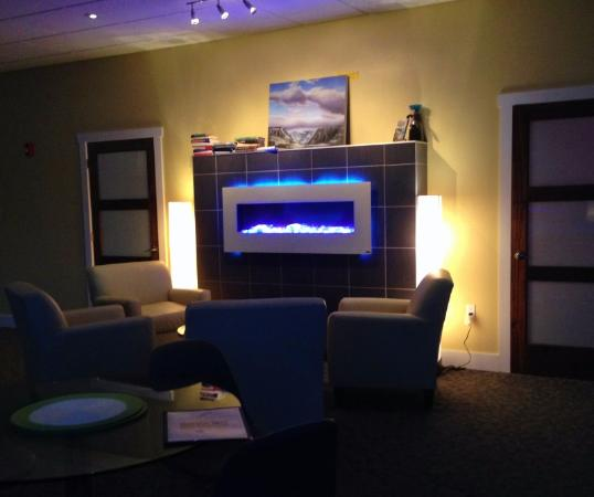 Woody Point, Καναδάς: Warm and Inviting Lounge
