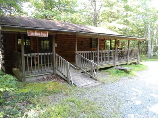 Fiddler's Roost Cabins : Bearfoot Cabin