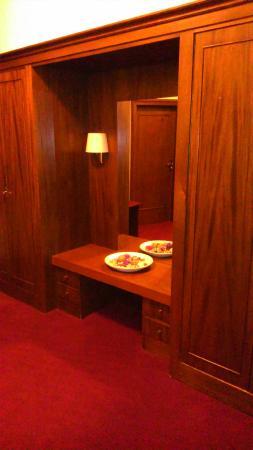 Hotel Schwarzer Baer: Atrio camera 7