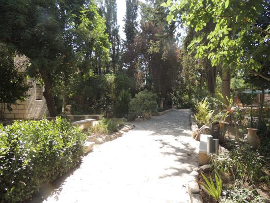 fotos de um jardim lindo : fotos de um jardim lindo:Um lindo jardim. – Foto de Túmulo do Jardim, Jerusalém – TripAdvisor