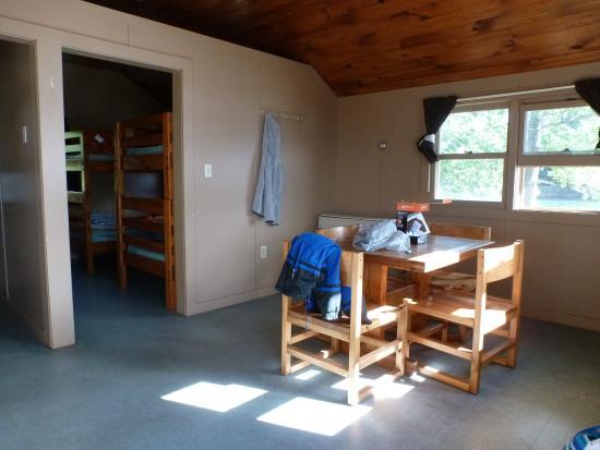 Wellesley Island, نيويورك: dining area cabin #2