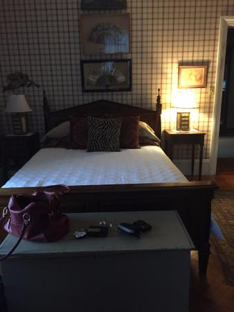 Charles Hovey House: Plaid Room