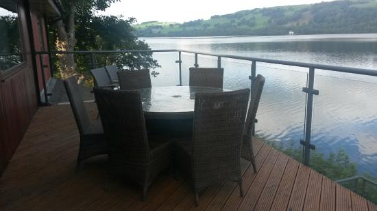 Glan Y Gro - Lakeside Suites: breakfast balcony