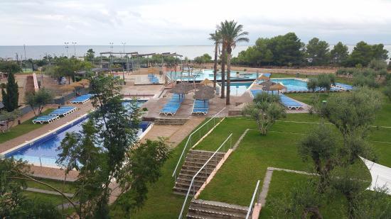 Ohtels Les Oliveres: zona de las piscinas i vistas desde la habitación