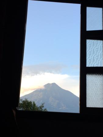 Hotel Casa Cristina: View from Room 12 Agua Volcano