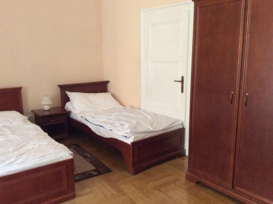 Royal Residence Ungelt: 3 twin beds in bedroom 2