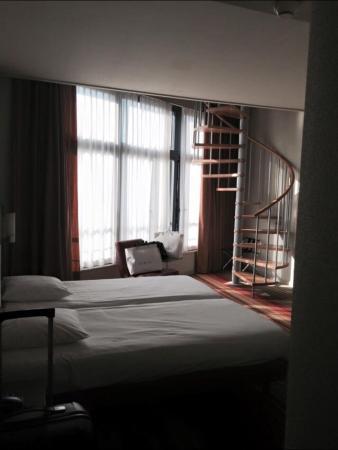 Alma Hotel: Двухэтажный номер в центре
