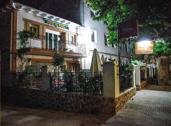 exterior Hostal Rio Mundo
