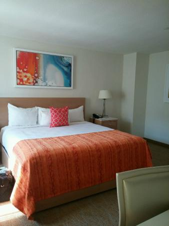 North Tower room: Bed - Picture of Tropicana Atlantic City ...