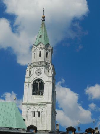 La parrocchiale SS. Filippo e Giacomo: il campanile