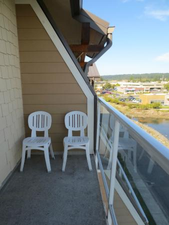 Oxford Suites Silverdale : Balcony
