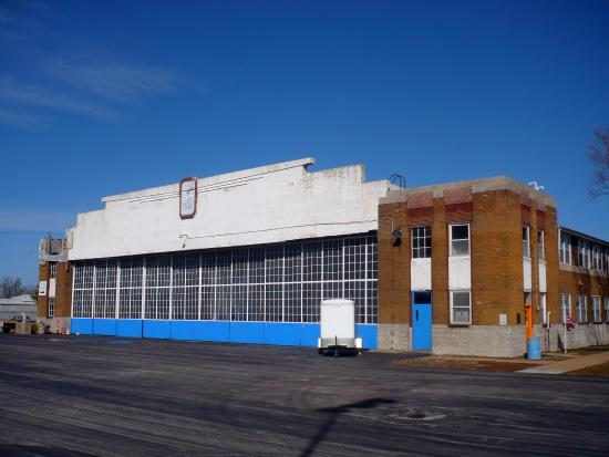 Cahokia, IL: Curtiss Wright Hanger Houses The Museum