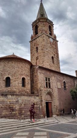Cite Episcopale: Cattedrale di Saint-Léonce de Frejus