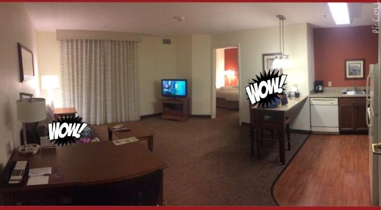 Residence Inn Saratoga Springs: Extremely spacious!