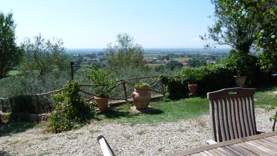 Margherita Holiday Home : uitzicht vanuit terras vakantiewoning