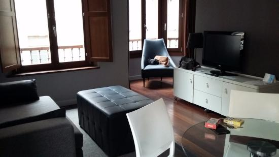 Apartamentos Urbanos : Salón