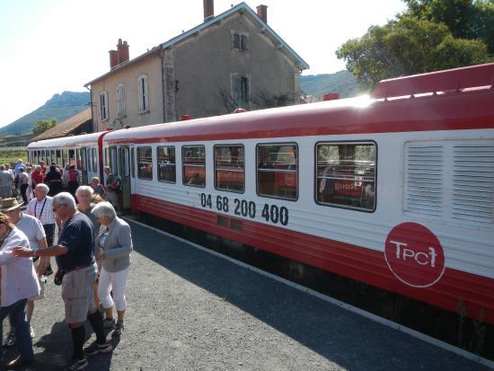 Train du Pays Cathare et du Fenouillet: TRAIN ROUGE