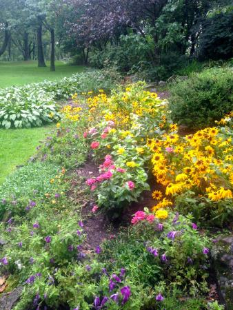 Enger Park And Tower: Perennial Garden