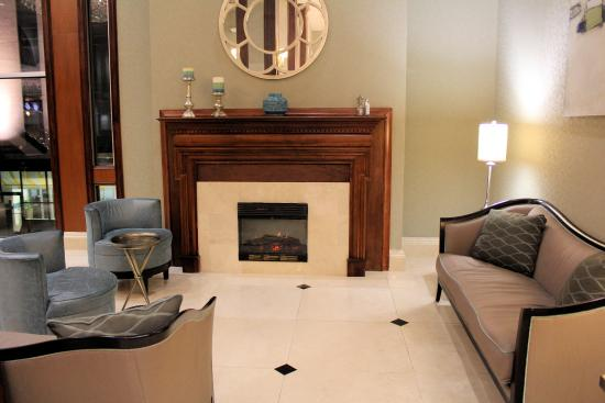 Clayton, MO: Lobby sitting area