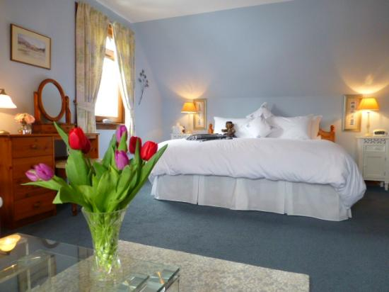 "Brockville Bed and Breakfast: Spring time in the ""Tobermory"" bedroom"